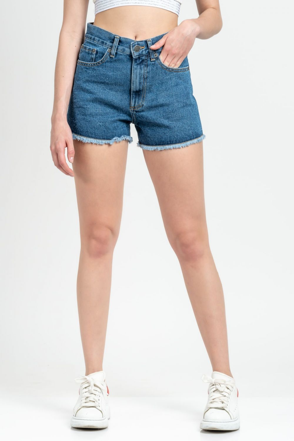 Tyra medium dark blue jean shorts