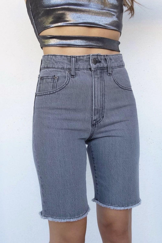 Kendall grey jean bermuda